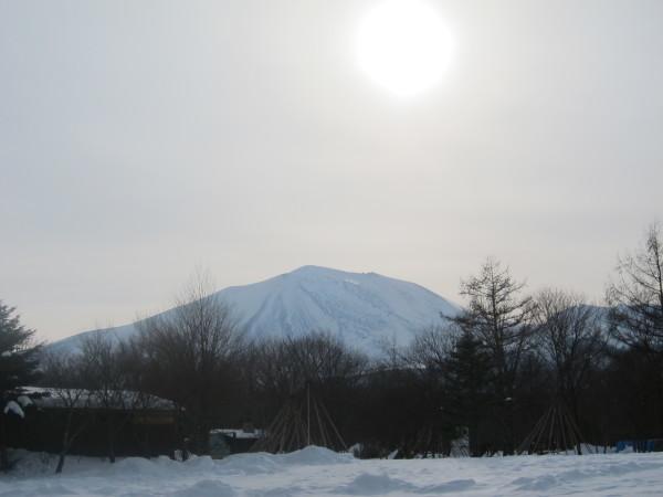 融けた雪は凍ります_b0174425_15014861.jpg