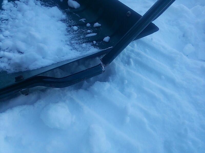 雪かき~_e0159646_13243768.jpg