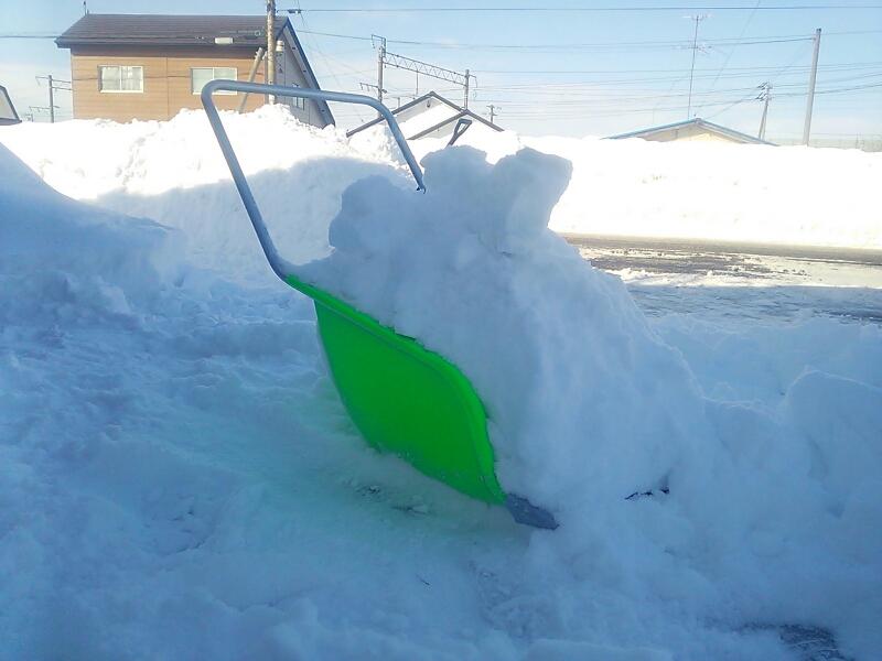 雪かき~_e0159646_13293674.jpg
