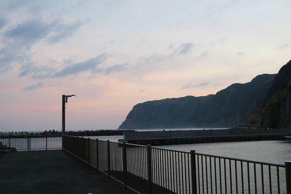 暮れゆく漁港_e0292172_20344562.jpg