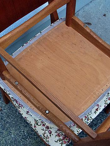 chair_c0139773_1456860.jpg