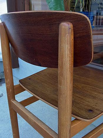 school chair_c0139773_1711325.jpg