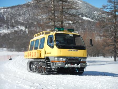 雪上車の送迎_e0120896_07190190.jpg