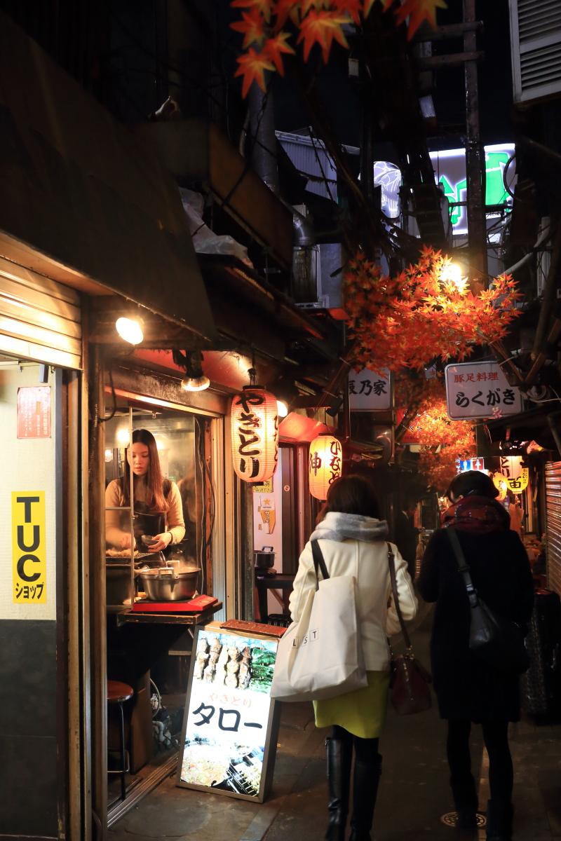 新宿  喫茶ピースからしょんべん横丁へ_b0061717_130171.jpg