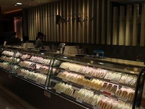 鴈治郎襲名披露昼夜通しで、ランチは高島屋でダイヤ製パンのヘレカツサンドを求む_c0030645_22394242.jpg