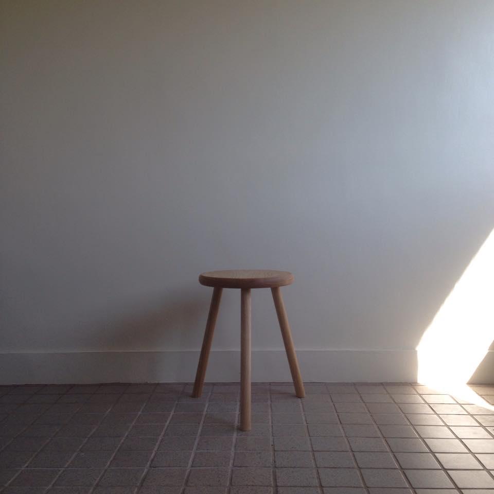 3本脚スツール Three legs stool_c0211761_22401499.jpg