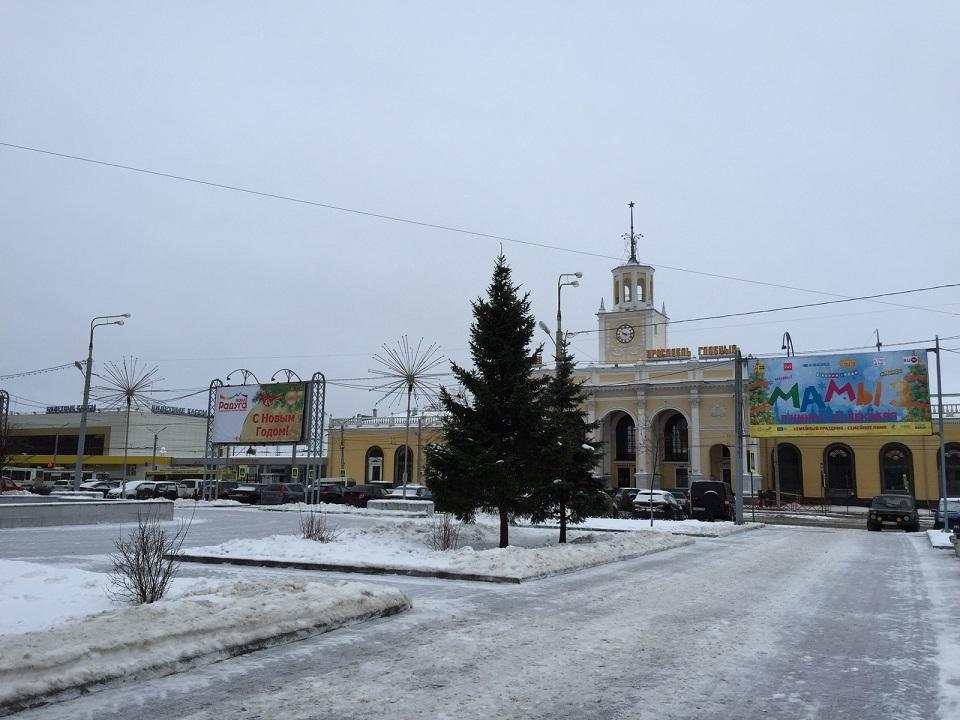 【ロシア鉄道駅】ヤロスラヴリ・グラーヴヌィ_f0169061_00290654.jpg