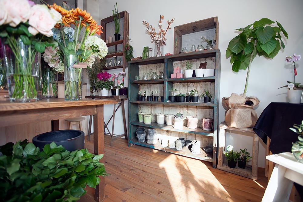 事務所改装で、レトロ新しい花屋さんに! -後編-_a0163962_14594546.jpg