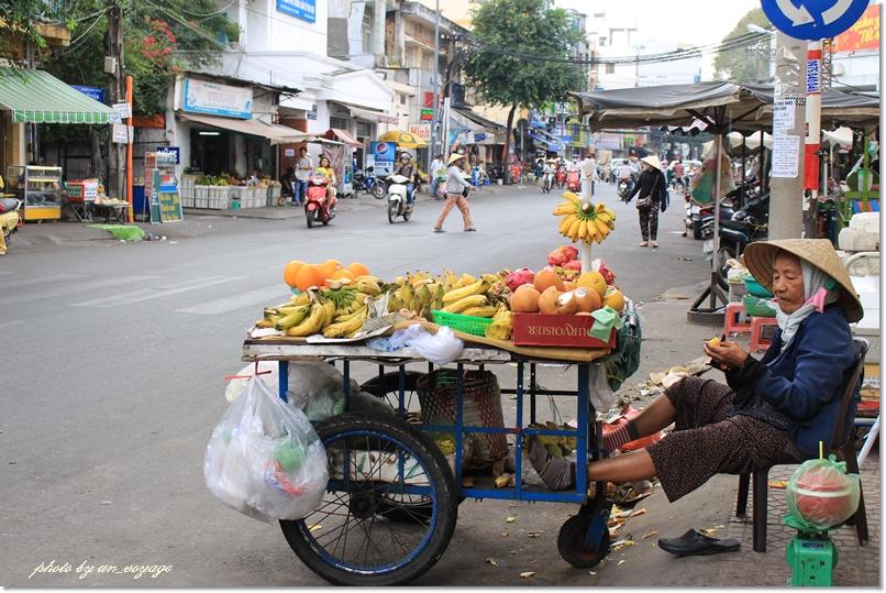 市場、サイゴンタワー、ナイトマーケットと盛り沢山なぶらり町歩き♪@ホーチミン市_b0214764_18381649.jpg