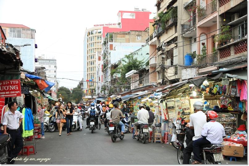 市場、サイゴンタワー、ナイトマーケットと盛り沢山なぶらり町歩き♪@ホーチミン市_b0214764_1839416.jpg