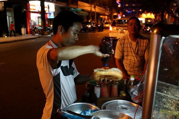 サイゴン : 朝のバインミー、夜のバインミー_e0152073_0404362.jpg