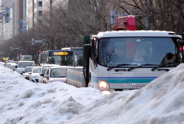 今年の札幌は雪が多い_b0145296_1726636.jpg