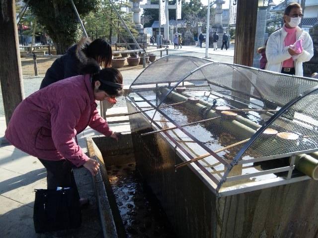 豊川稲荷のパワースポット、きつね塚へ行きました♪_c0316026_16303316.jpg