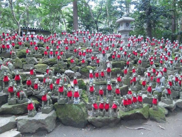 豊川稲荷のパワースポット、きつね塚へ行きました♪_c0316026_16415998.jpg