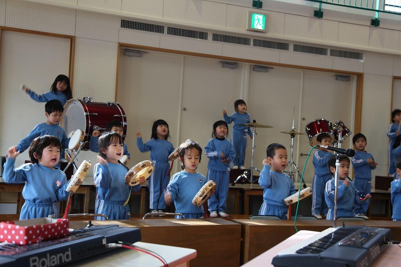 楽器を奏でるにぎやかな音_b0277979_19033036.jpg