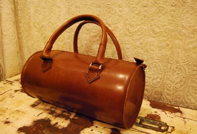 筒型のレザーバッグ_f0155891_11513789.jpg