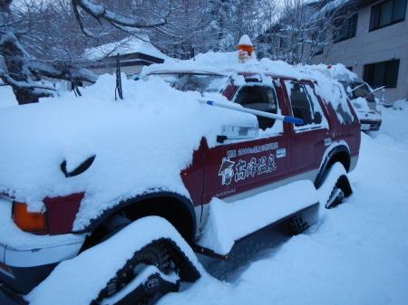 雪降りの朝_e0120896_08021572.jpg