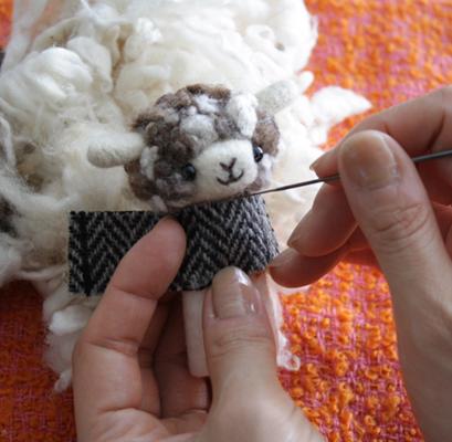 「羊毛フェルトでプチ・ボヌール」のricoさん登場!_c0039735_23195090.jpg