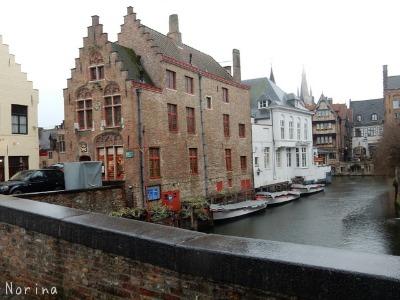 ベルギー・オランダの旅6~雨の中のブルージュ_e0326953_14183796.jpg