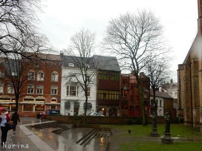 ベルギー・オランダの旅6~雨の中のブルージュ_e0326953_1465745.jpg