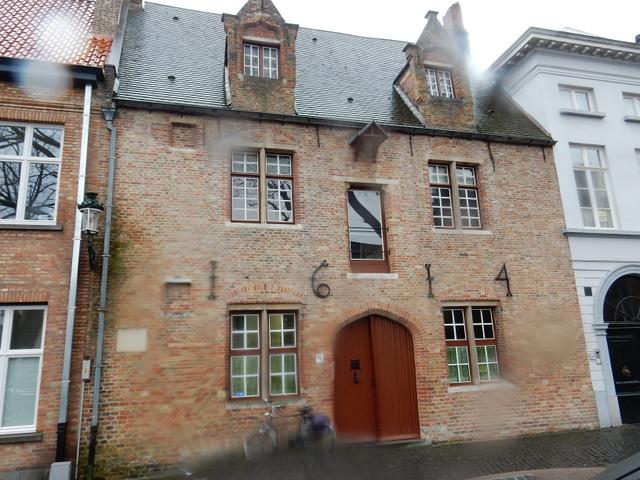 ベルギー・オランダの旅6~雨の中のブルージュ_e0326953_16435614.jpg