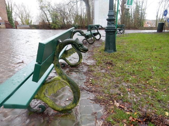 ベルギー・オランダの旅6~雨の中のブルージュ_e0326953_16575384.jpg