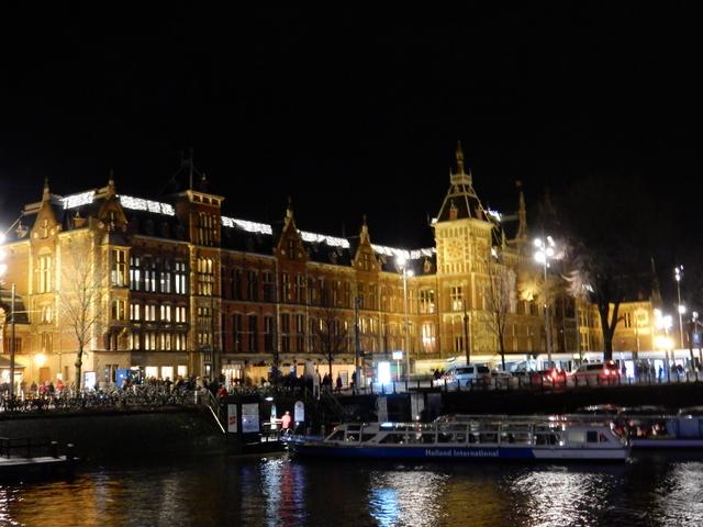 ベルギー・オランダの旅6~雨の中のブルージュ_e0326953_1774679.jpg