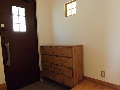 西条 N様邸 靴箱・ローテーブルなど家具をお届けしました_d0237564_14435915.jpg