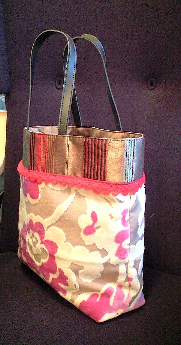 花柄ベルベットのバッグ『アイフィンガー』_c0157866_17345031.jpg