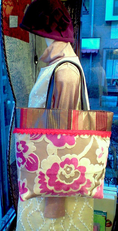 花柄ベルベットのバッグ『アイフィンガー』_c0157866_17411425.jpg
