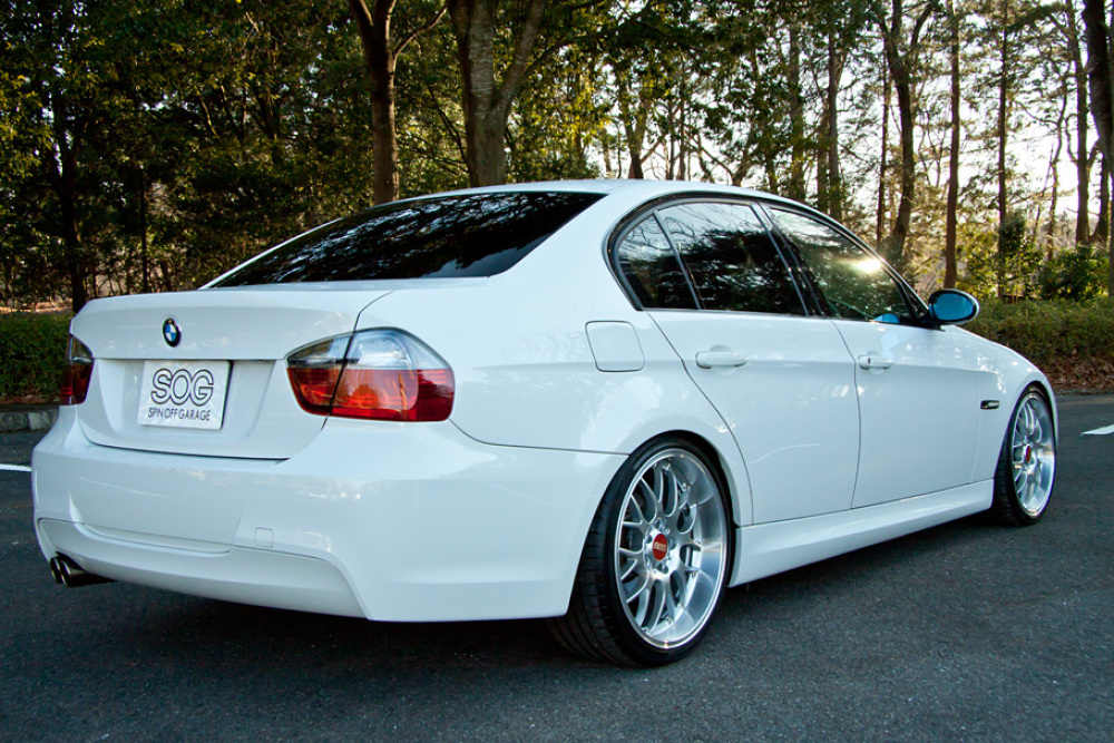 Bmw 320i msport spin off garage for Garage specialiste bmw 77