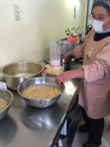 『大豆の加工の体験してみたよ!!』南中山小学校3年生の皆さん_e0061225_16201955.jpg