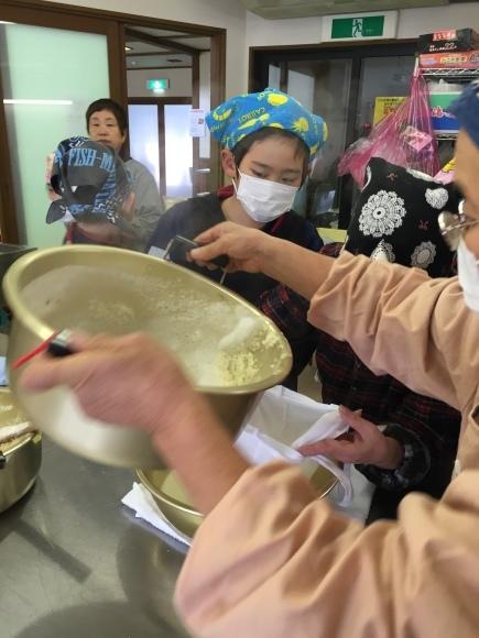 『大豆の加工の体験してみたよ!!』南中山小学校3年生の皆さん_e0061225_16240763.jpg