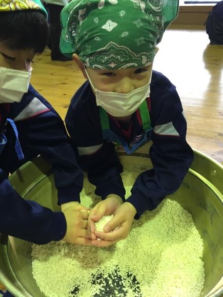 『大豆の加工の体験してみたよ!!』南中山小学校3年生の皆さん_e0061225_16280503.jpg