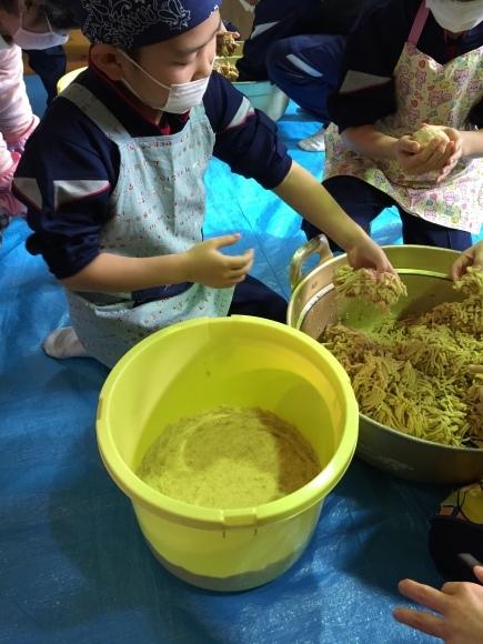 『大豆の加工の体験してみたよ!!』南中山小学校3年生の皆さん_e0061225_16391881.jpg