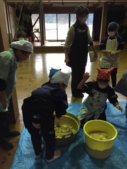 『大豆の加工の体験してみたよ!!』南中山小学校3年生の皆さん_e0061225_16400022.jpg
