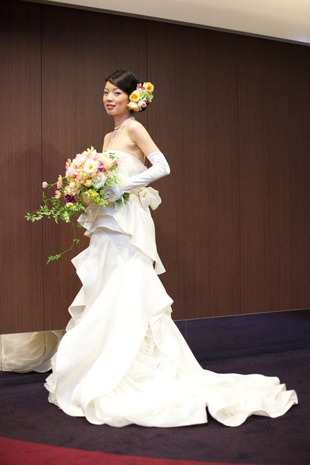 新郎新婦様からのメール ホテルメトロポリタンエドモント様へ vera wangの花嫁さまへ 原点_a0042928_2159269.jpg