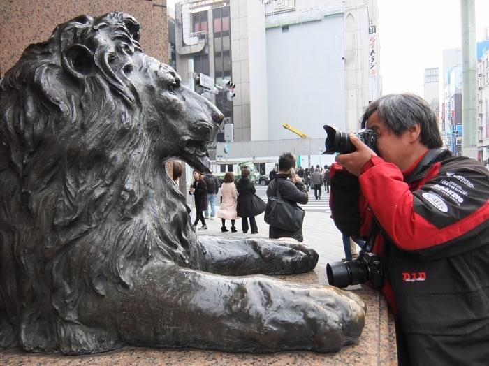 ライオンと決闘?_f0050534_10513162.jpg