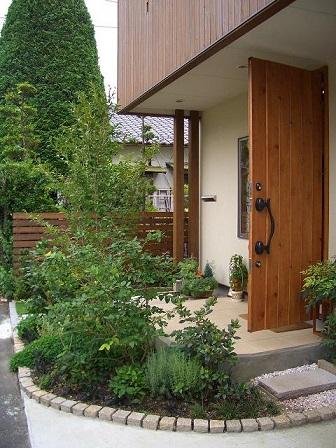 楽しい家づくり 外構 植栽_b0146238_18335992.jpg