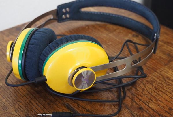 黄色いヘッドフォン_d0027243_1441896.jpg