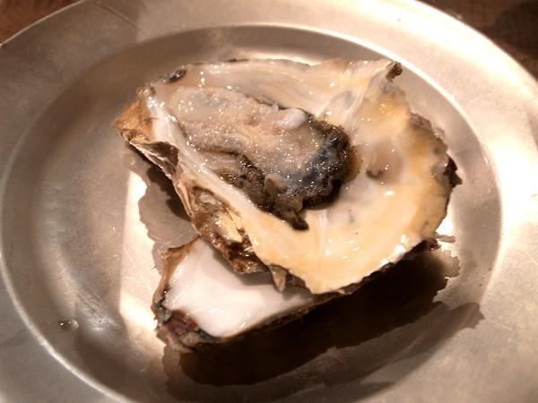 自由で刺激的な楽しい料理にひかれて、代沢のsalmon & troutへ その1_e0152073_8565392.jpg