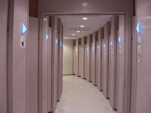高速道路トイレの旅3_e0190287_18164535.jpg