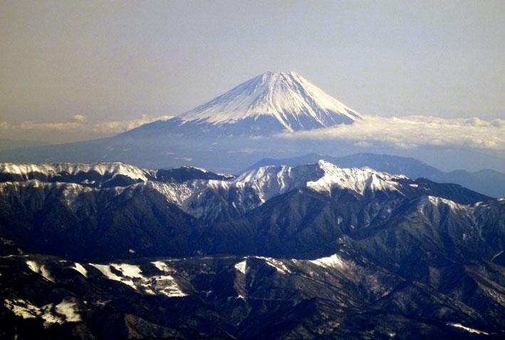 御岳山の噴煙も_b0145296_20145943.jpg