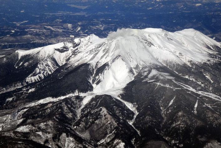 御岳山の噴煙も_b0145296_20153312.jpg