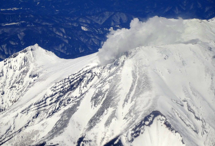 御岳山の噴煙も_b0145296_2016736.jpg