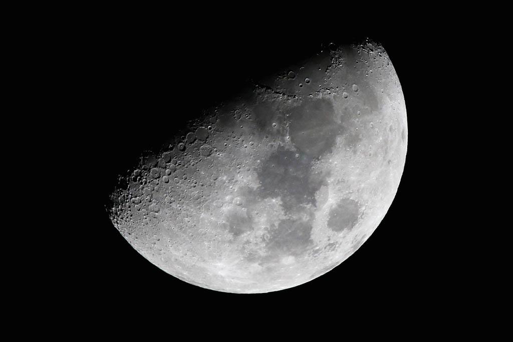 火災/積雪と鳥達(イカル、ジョウビタキ雌、ダイサギ)/シロハラ/太陽面/月とラブジョイ彗星_b0024798_16274769.jpg
