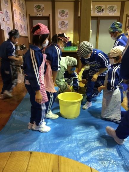 『大豆の加工してみたよ!!』服間小学校3年生の皆さん_e0061225_13062663.jpg