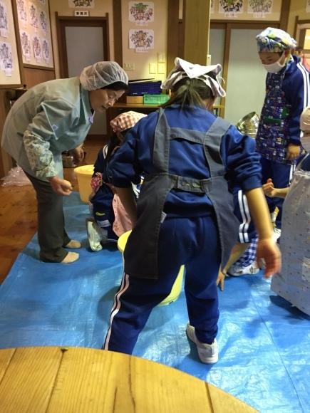 『大豆の加工してみたよ!!』服間小学校3年生の皆さん_e0061225_13071363.jpg