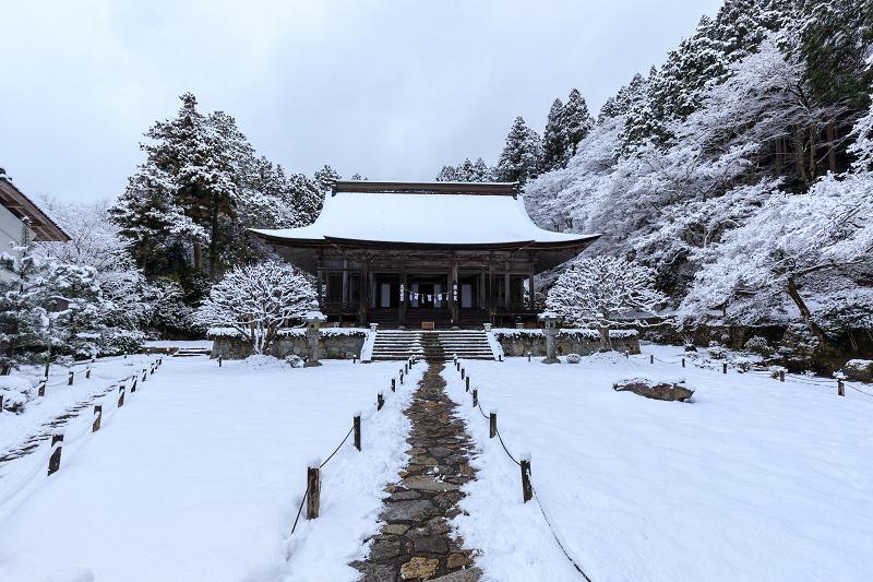 雪景色の勝林院_f0155048_20451513.jpg