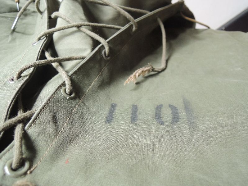 40S~ U.S.NAVY WET WEATHER PARKA--RECOMMEND--_c0176867_15322896.jpg